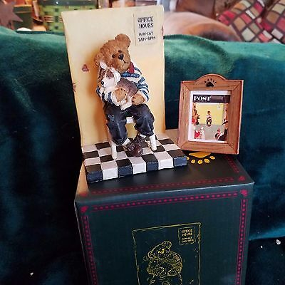 Boyds Bearstone Waiting for the Vet Norman Rockwell 1st. Edition Retired New