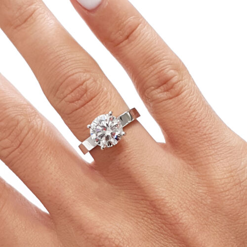GIA CERTIFIED 2.02 Carat Round shape F - VS2 Solitaire Diamond Engagement Ring