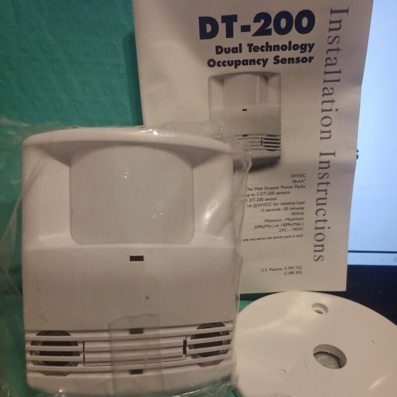 WATT STOPPER DT-200 SERIES DUAL TECHNOLOGY  OCCUPANCY SENSOR W/MOUNT  NIB