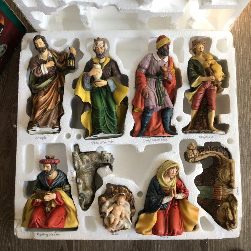 2002 Grandeur Noel Porcelain 9 pc Nativity Set Collector
