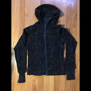 Lululemon black and navy scuba hoodie size 6