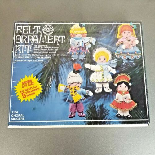 """Vintage Felt Ornament Kit New In Box """"Choral Singers"""" Holiday Industries 1978"""