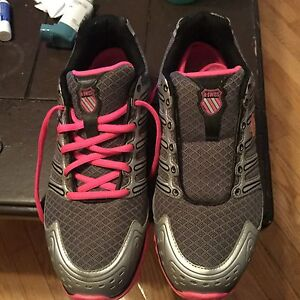 2 pairs of size 8 1/2 women's shoes