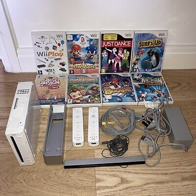 Nintendo Wii Bundle - 8 Games, 2 Controllers *Reduced Price*