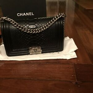 c5588caba539 chanel boy bag