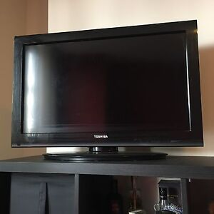 "32"" Toshiba TV in Great Condition!!"