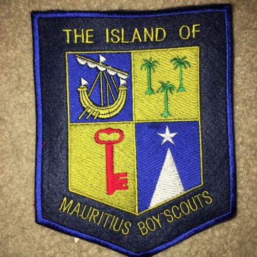 Boy Scout Scouts Island of Mauritius Crest Traded at World Jamboree Jacket Patch