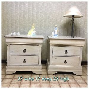 Large matching nightstands/end tables