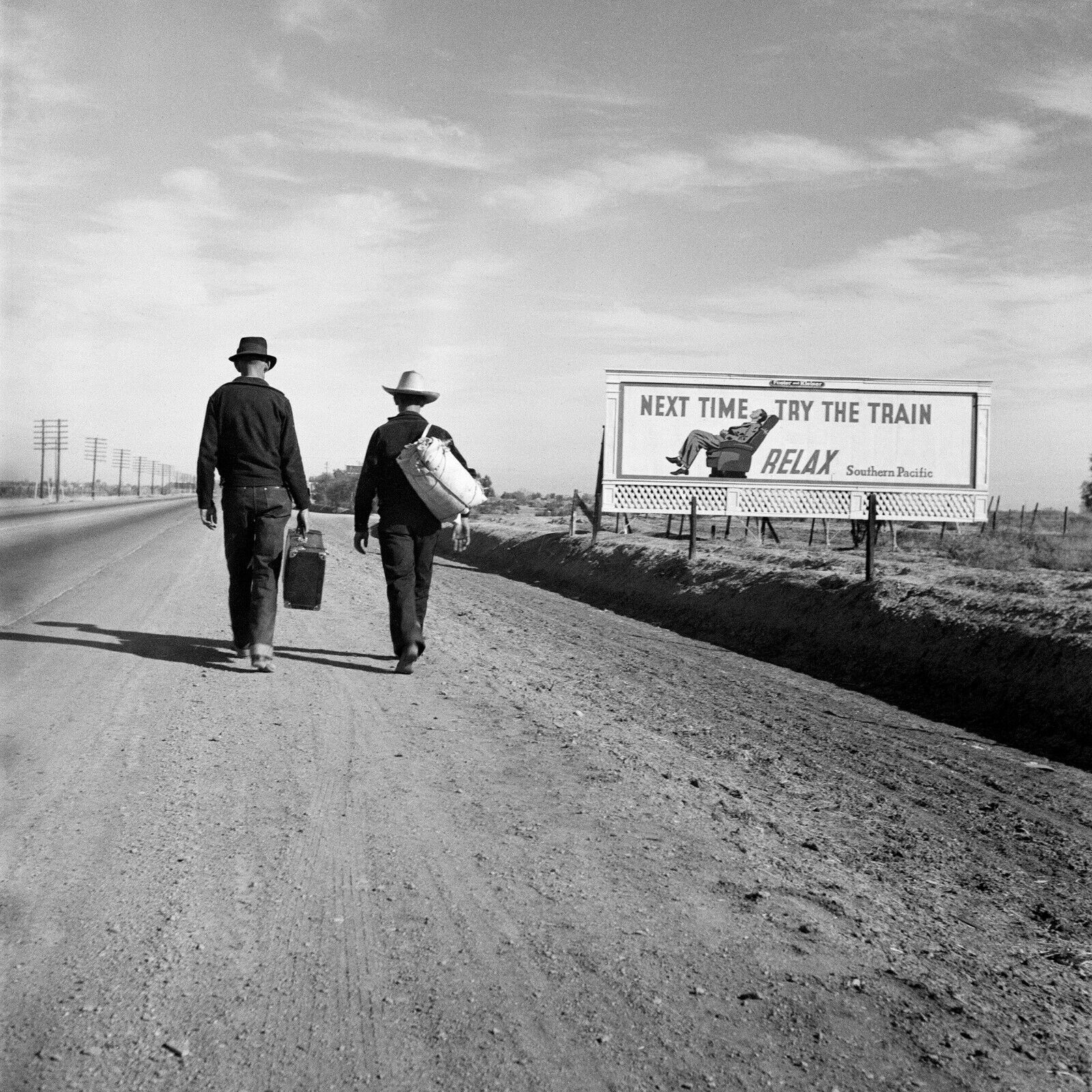 Toward Los Angeles 1937 Hitchhikers SPRR Billboard Lange Vintage Photo Reprint  - $16.00