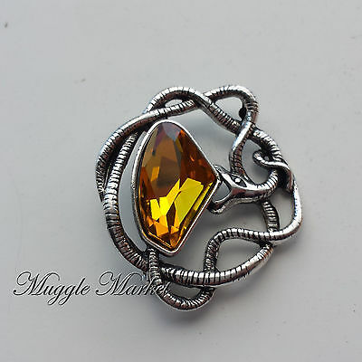 Lucius Malfoy snake brooch. Ron Hermione harry Dumbledor voldemort horcrux draco