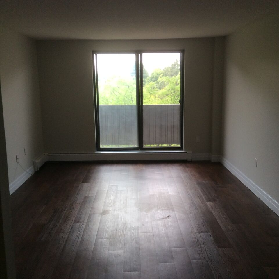 Looking Apartment For Rent: Northwood Village - 2 Bedroom Apartment For Rent