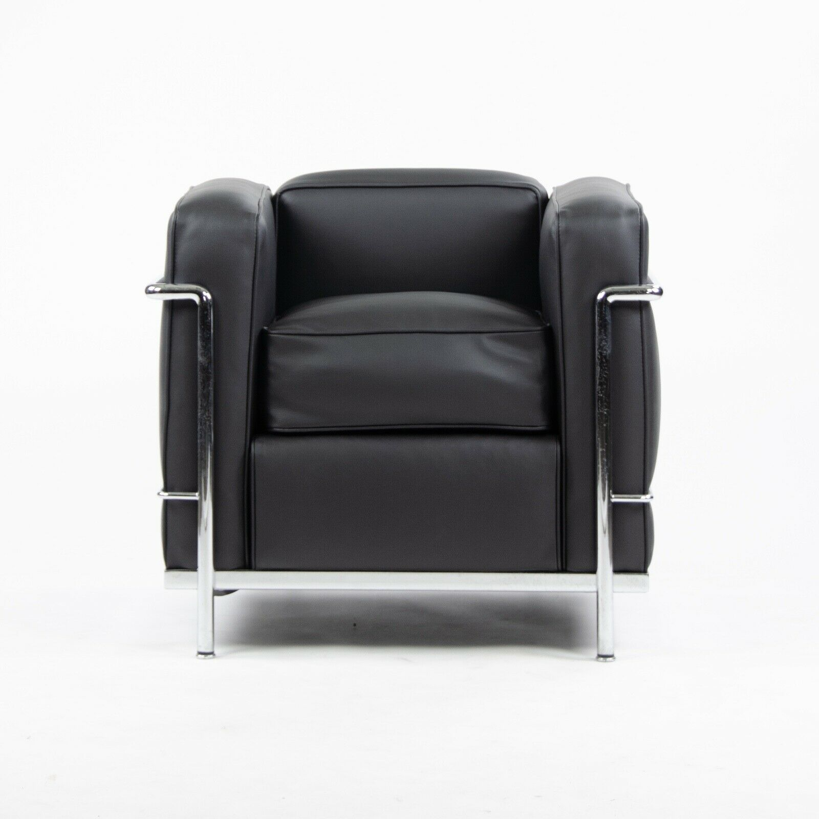 Details About Cassina Italy Le Corbusier Lc2 Petit Modele Armchair New Upholstery