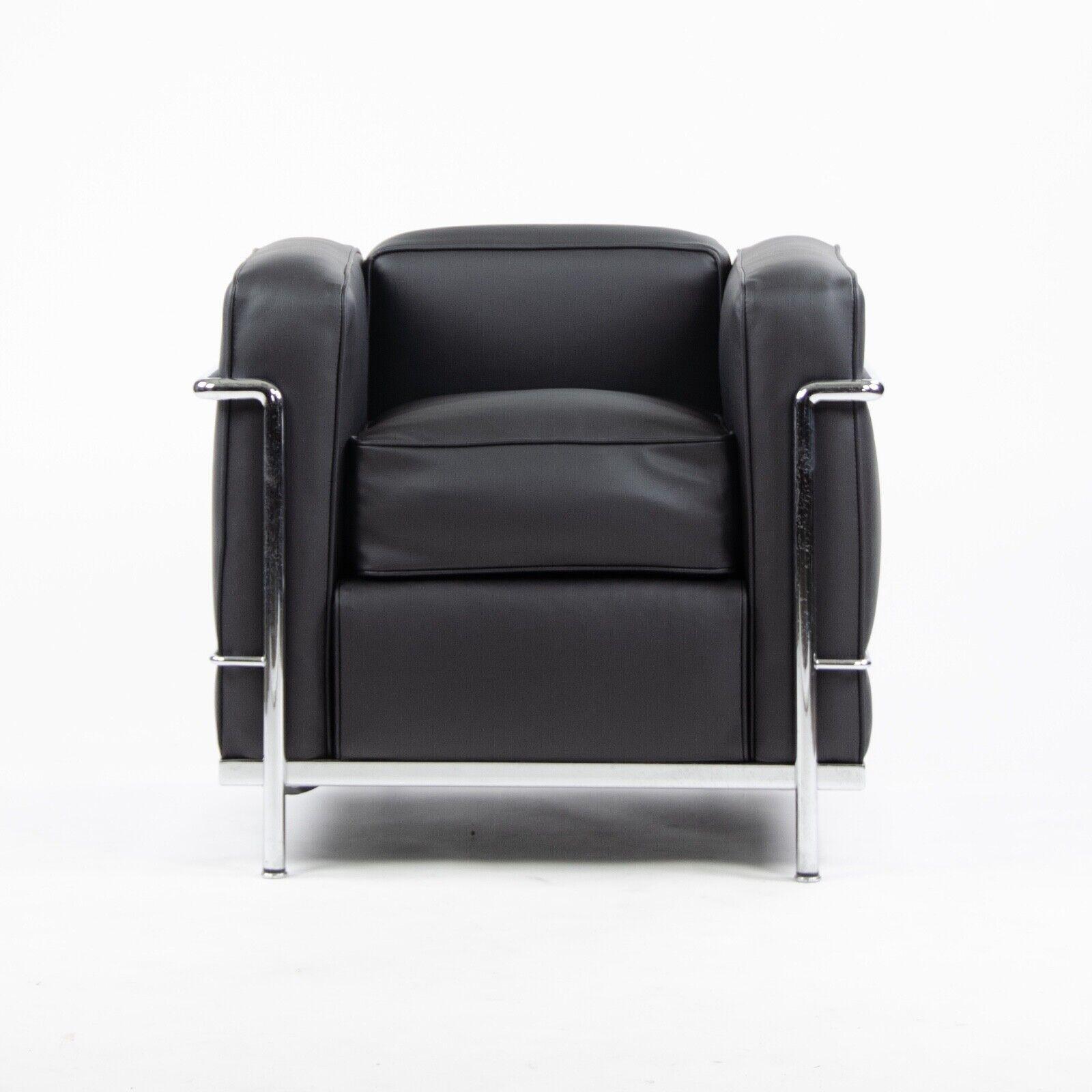 Details zu Cassina Italien Le Corbusier LC2 Petit Modele Sessel Neue  Polsterung