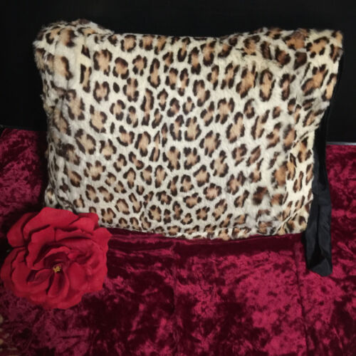 WOMENS LARGE VINTAGE VICTORIAN LEOPARD FUR MUFF SATIN LINED HAND WARMER