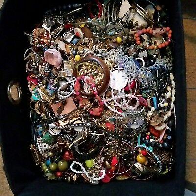 2 LB Jewelry Lot Bead Necklace Pin Ring Bracelet Earring Watch Random Pick