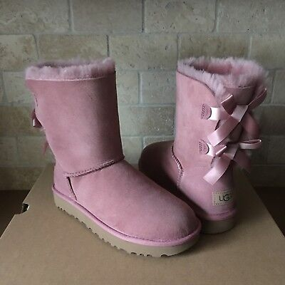 UGG SHORT BAILEY BOW II PINK DAWN SUEDE SHEEPSKIN BOOTS SIZE US 6 WOMENS