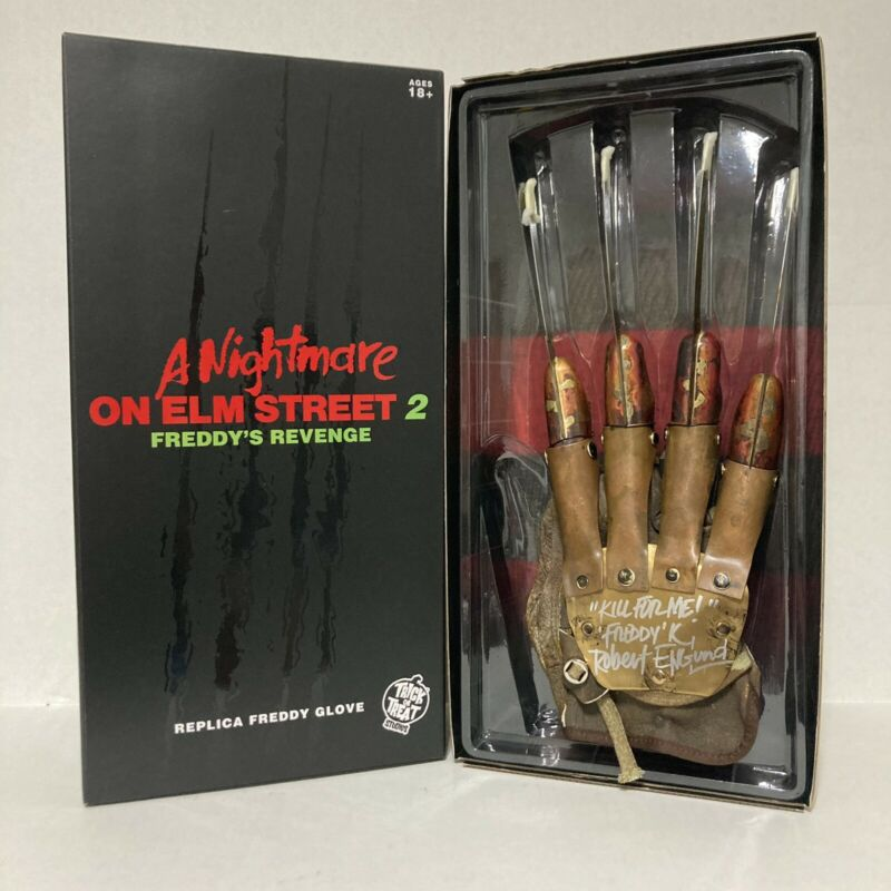 A Nightmare On Elm Street 2 Freddy Krueger Signed Autograph Glove Robert Englund