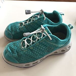 Kids Columbia Drainmaker Hybrid Shoes size 2