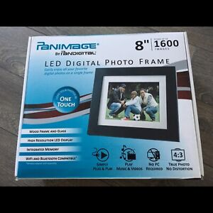 Pandigital LED digital photo frame
