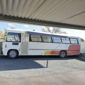 Motorhome 1971 Bedford Comair Bus with Winnebago Seats Moe Latrobe Valley Preview