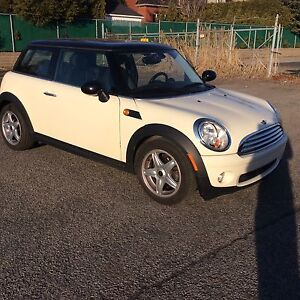 2010 Mini Cooper negotiable