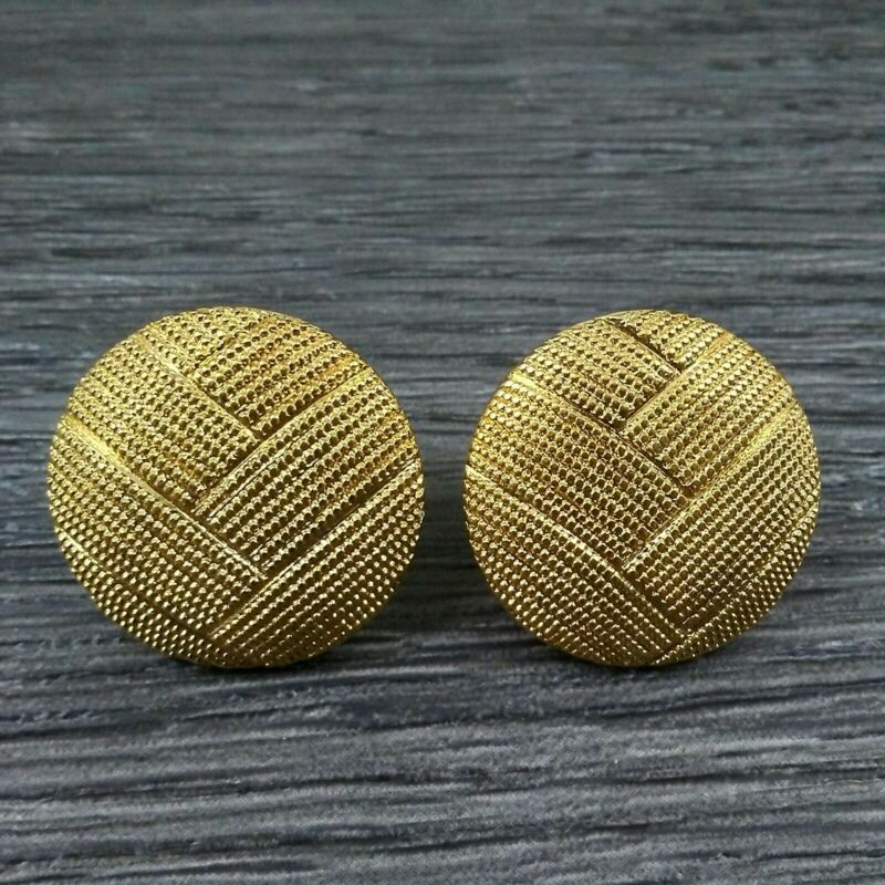 MAMAS ESTATE MONET SIGNED TEXTURED GOLD TONE EARRINGS #U4-10