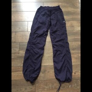 91dd5811482f4 Lululemon Pants Size 6 | Kijiji in Calgary. - Buy, Sell & Save with ...