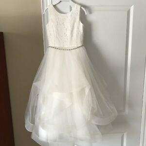 EXCELLENT CONDITION COMMUNION OR FLOWERGIRL DRESS