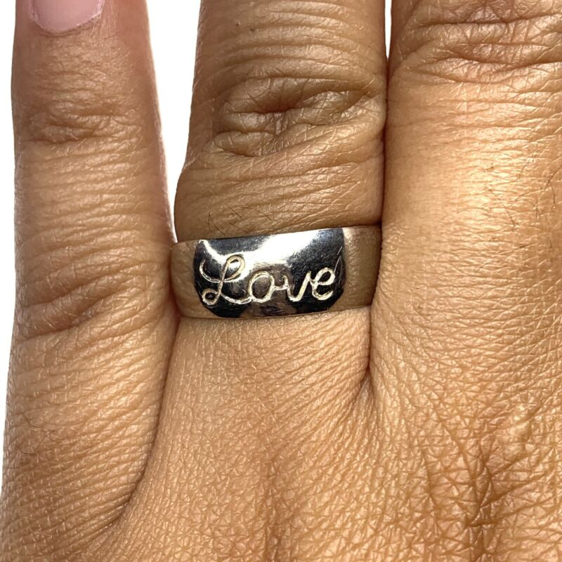 Vintage .925 Sterling Silver Ring with Engraved Word Love Size 8.5