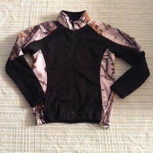 Mossy Oak NEW ....................$35 Firm -Non neg sorry!!