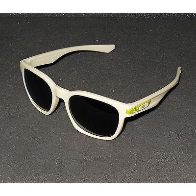 91a1312848 New Oakley Garage Rock Sunglasses Matte Bone Dark Grey Retro Sport  Sonnenbrille