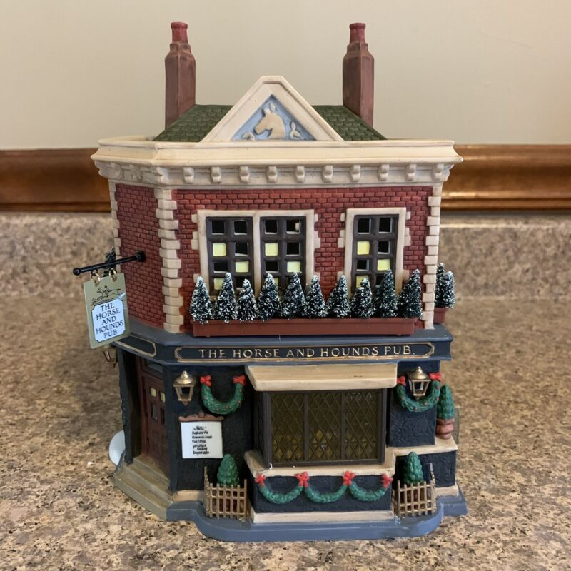 Department 56 Dickens Village The Horse and Hounds Pub #58340 1998