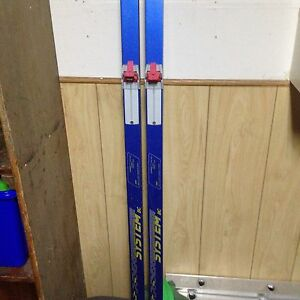 Karhu cross country skis