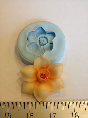 DAFFODIL FLOWER SILICONE MOLD #129 CANDY, SOAP, RESIN, WEDDING FAVORS, CHOLOCATE
