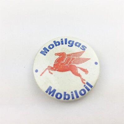 VINTAGE MOBILGAS MOBILOIL  COLLECTABLE RETRO BADGE