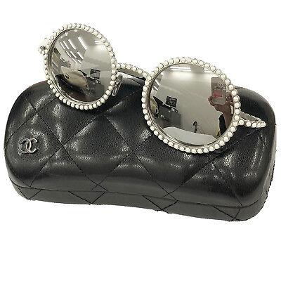 48543558c25 Chanel Logos Perle Lunettes de Soleil Rondes Argent Eye Wear Vintage Italie  d occasion Expédié