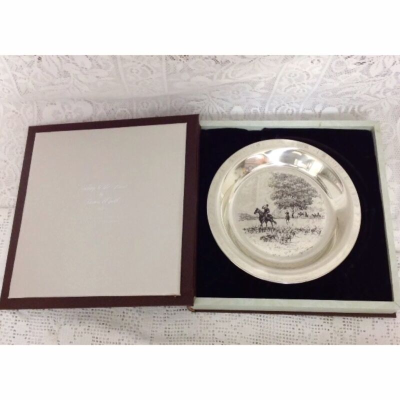"""1974 Ltd Ed James Wyeth Solid Sterling Silver """"Riding To The Hunt"""" Plate. 182g"""