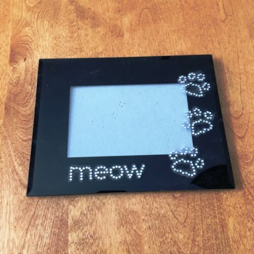 PICTURE FRAME FOR FAMILY CAT