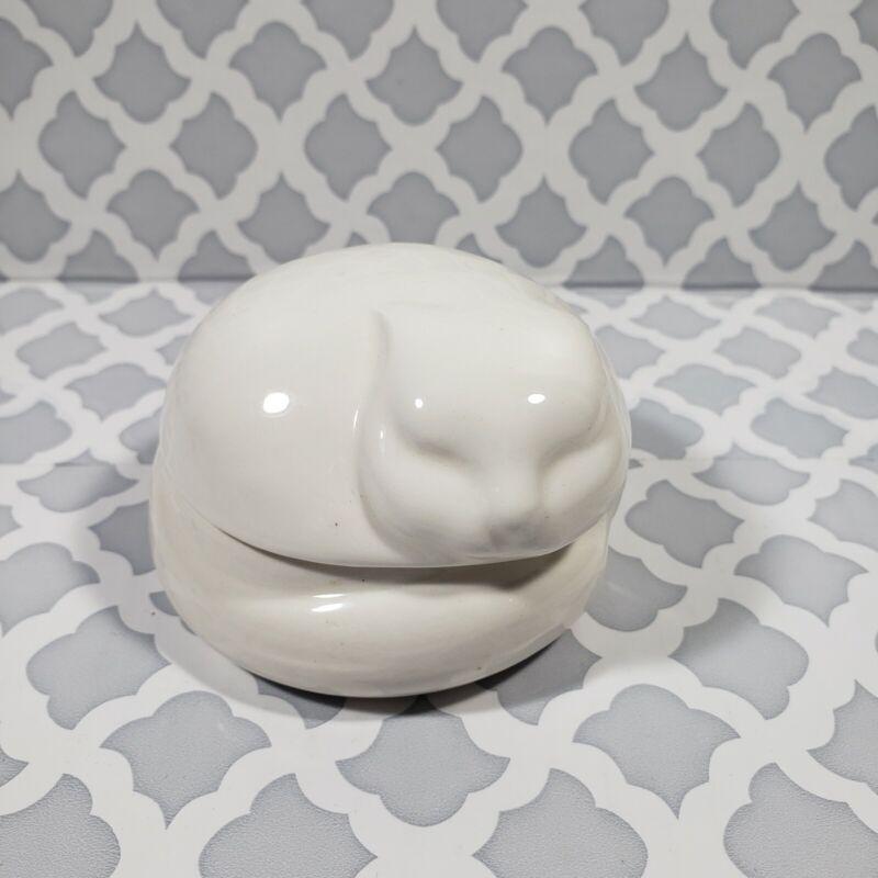 Vintage Sleeping White Cat Porcelain Trinket Box 1977 Nancy Lopez Tiffany & Co