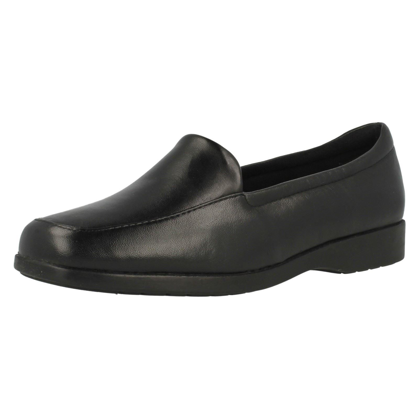 Ladies Clarks Neenah Poppy Leather Smart Slip On Pumps