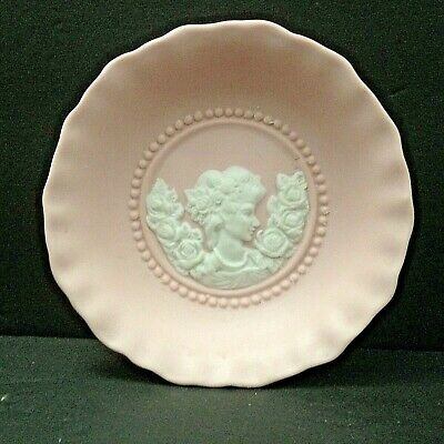 Vintage Porcelain Victorian Trinket Jewelry Dish w/ White Woman Cameo & Roses 5""