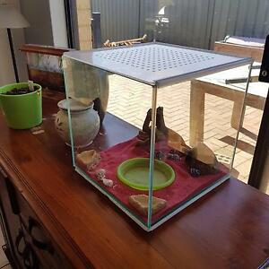 Crazy crab tank with heat pad Banksia Grove Wanneroo Area Preview