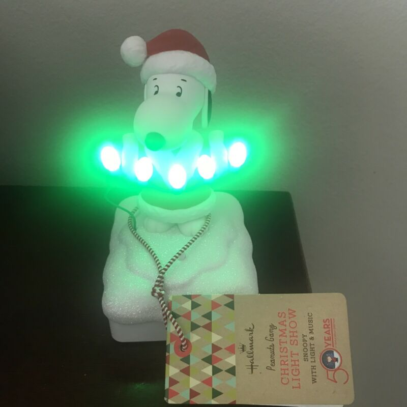 Hallmark 2015 Peanuts Gang Wireless Christmas Light Show Snoopy New With Tags