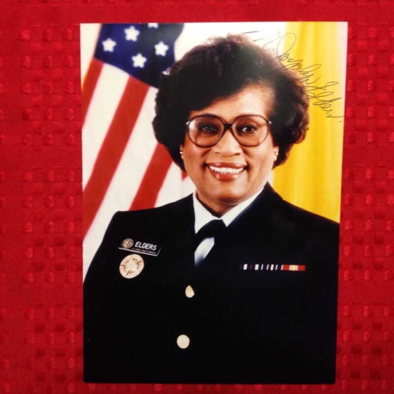 Joycelyn Elders 15th Surgeon General Autographed Photo Signed Autograph 5x7