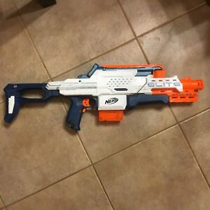 various kinds of Nerf Guns