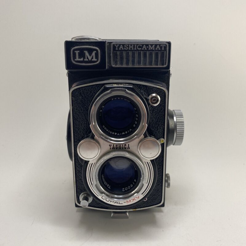 Vintage YASHICA-MAT LM Twin Lens Copal-MXV 120mm Medium Format Film Camera