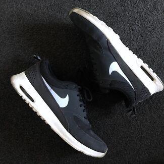Womens Nike Air Thea sneakers