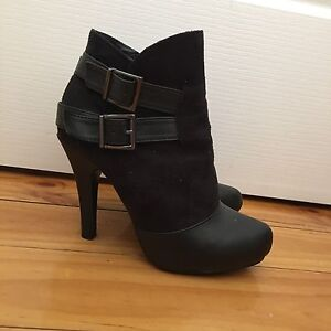Size 7 ankle boots Lockleys West Torrens Area Preview