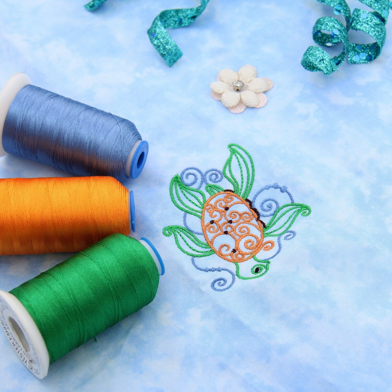 как выглядит Бобина или нить для машинной вышивки Threadart Polyester Embroidery Thread - Big 1000m Cones - 40 wt- Over 200 Colors фото