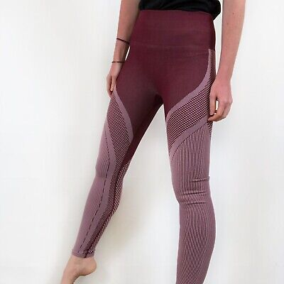 NWT Fabletics High-Waisted Black Cherry Red Seamless Turbo Legging Small Large